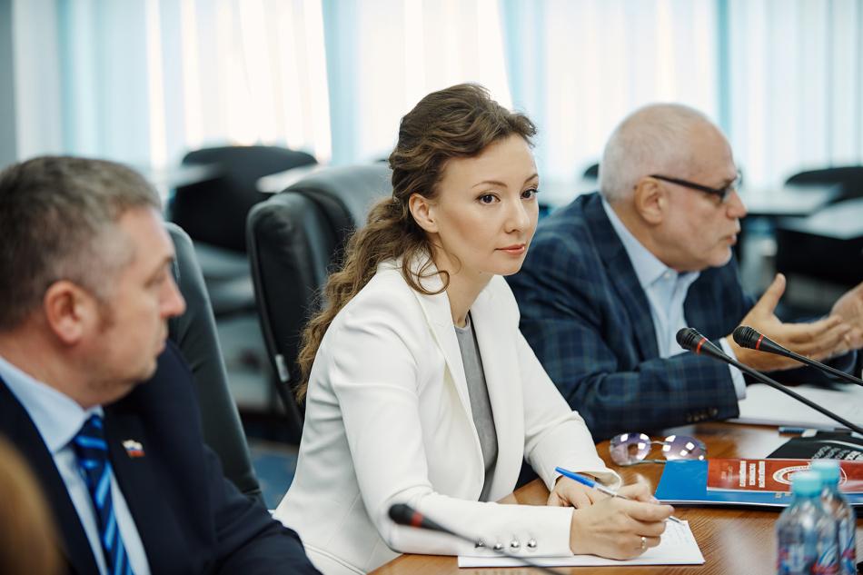 Анна Кузнецова приняла участие в заседании Координационного совета Уполномоченных по правам ребёнка субъектов РФ, входящих в состав ЦФО