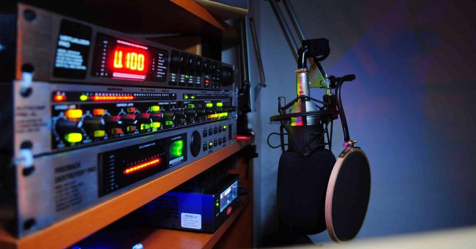 Уполномоченный рассказал слушателям «Экспресс радио - Орёл»  о ходе акции «Месяц БезОпасности» в регионе