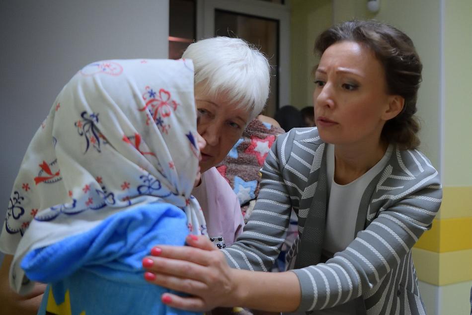 Анна Кузнецова помогла вернуться на родину из Ирака еще 33 российским детям