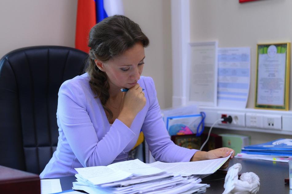 Анна Кузнецова выступает за внесудебное разрешение споров о праве на детские пособия между родителями, не проживающими совместно
