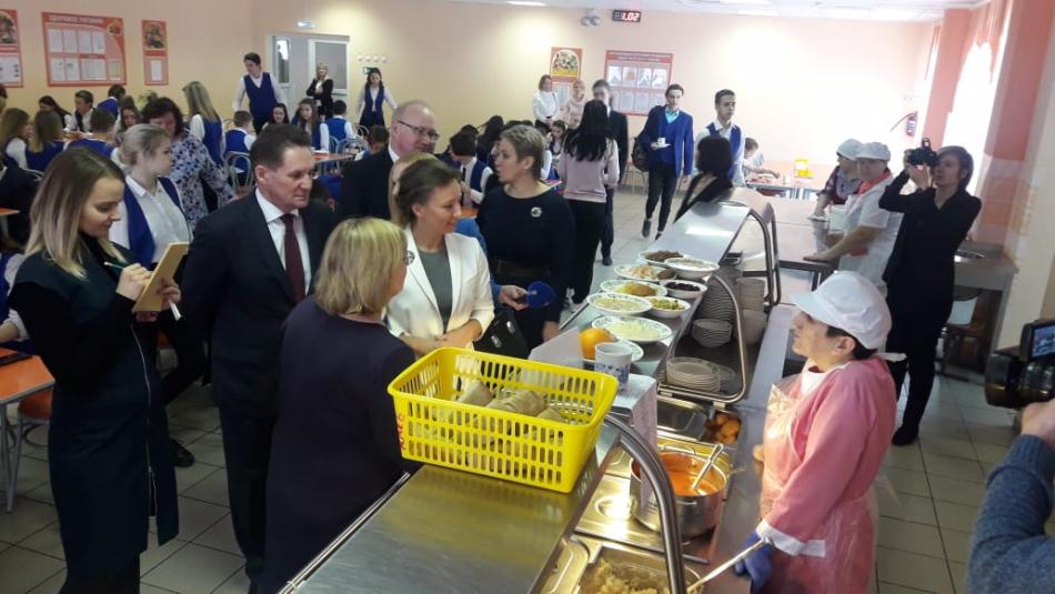 Регионы приступили к устранению практики «разных столов» при организации питания детей в образовательных учреждениях