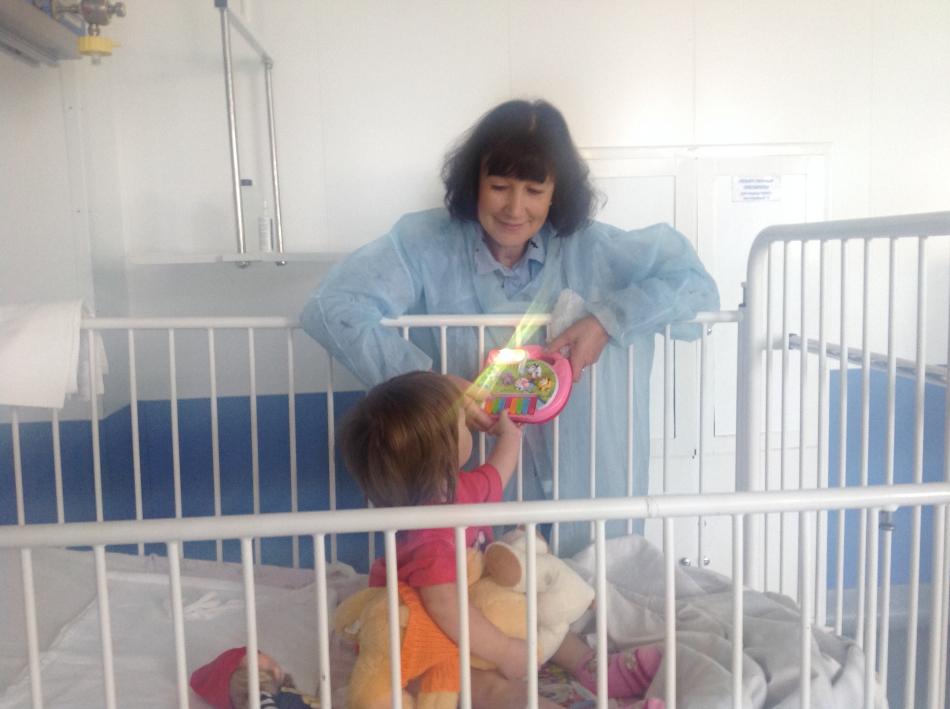 Уполномоченный при Губернаторе Вологодской области Ольга Смирнова навестила в больнице двухлетнюю девочку, которую искали двое суток.
