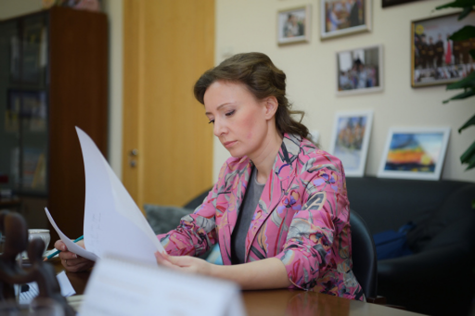 Анна Кузнецова помогла вернуть в Россию ребенка, брошенного матерью в Таджикистане